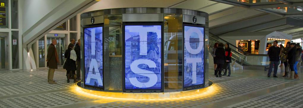 Instalación de Punto Información en Aeropuerto de Bilbao con Cartelería Digital