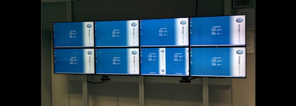 Instalación de Videowall de 4x2 en Volkswagen Navarra